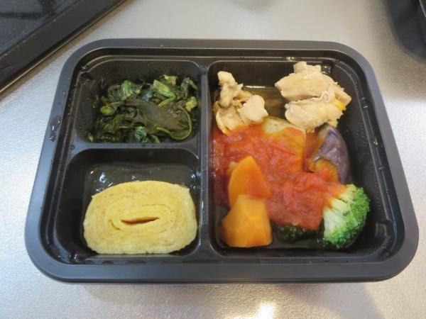 ヨシケイの冷凍弁当[楽らく味彩]鶏肉のトマト煮