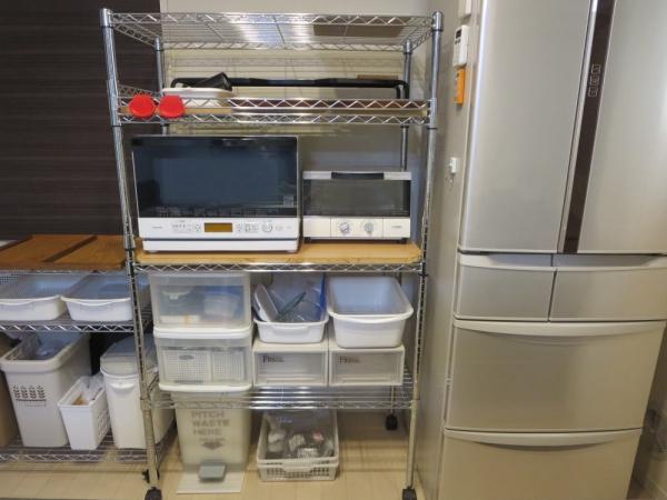 キッチンで使っているメタルラックの収納方法